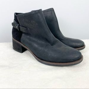 Korks Sonya Leather Two Toned Black Ankle Boots 6